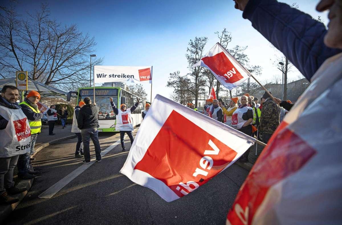 Die Busfahrer in der Region Stuttgart streiken wieder. Foto: Gottfried Stoppel