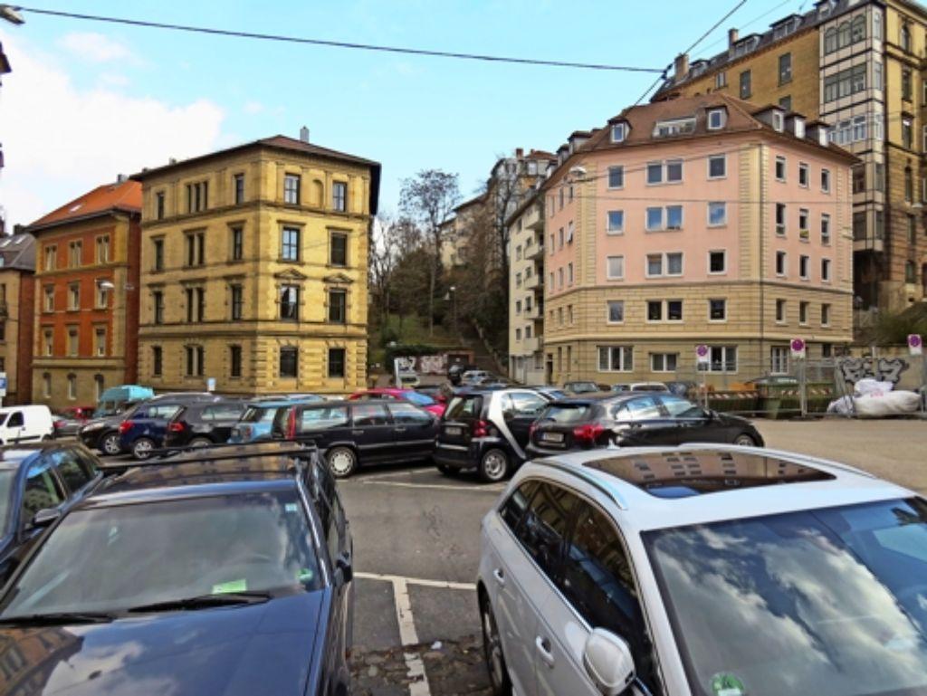 Derzeit wird der Schützenplatz nicht als historischer Ort wahrgenommen, was er einmal war, sondern als Parkplatz – was er  ist. Foto: red