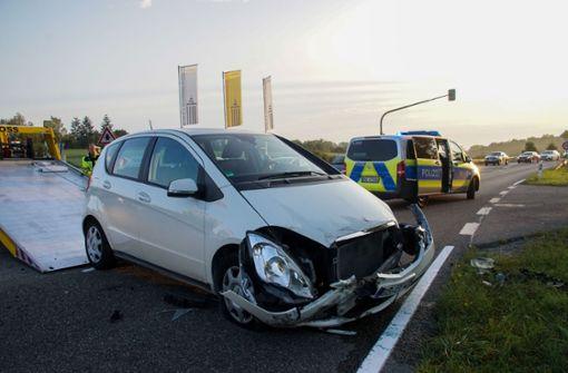 Heftiger Unfall fordert Verletzte und hohen Schaden