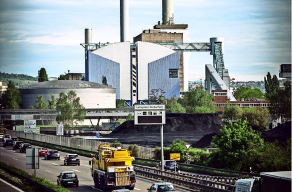 Der größere Turm des Kraftwerks ist 160 Meter hoch. Foto: Lichtgut/Achim Zweygarth