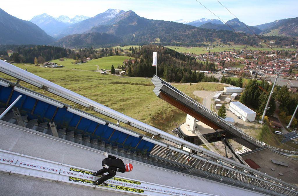 Skispringen ohne Schnee ist möglich – und zwar nicht nur in Oberstdorf. Foto: dpa