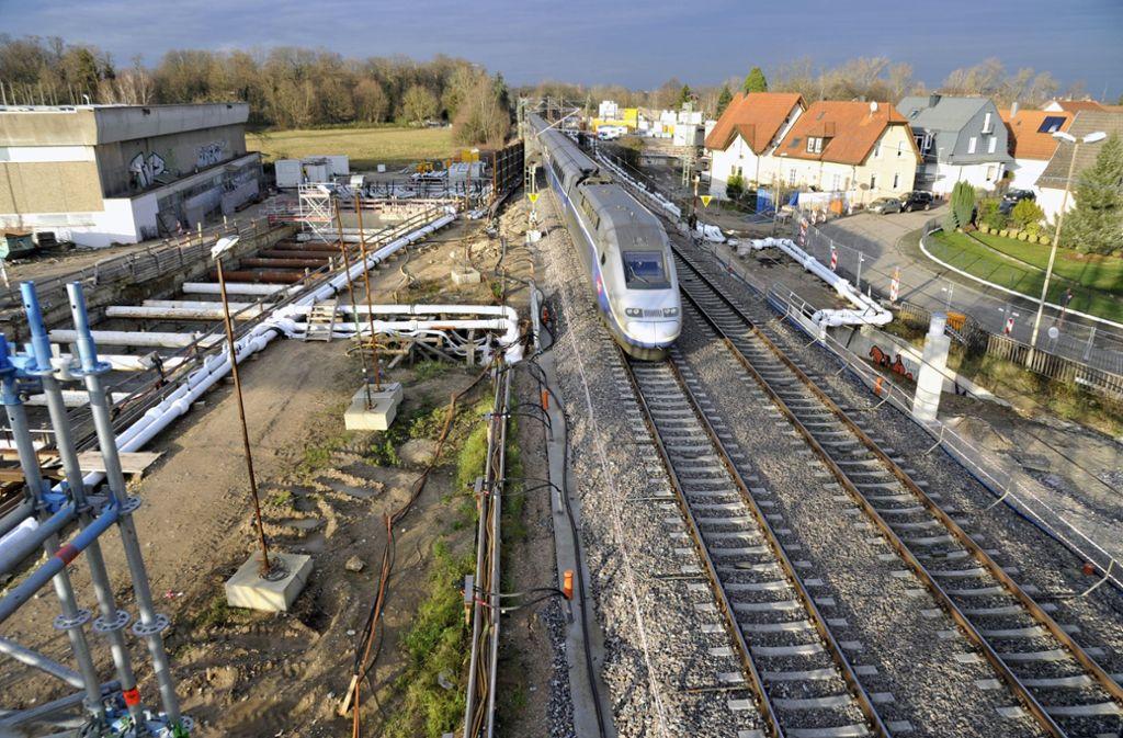 Die Rheintalbahn bei Niederbühl im Januar. Fünf Monate zuvor war hier das Gleisbett abgesunken. Foto: Stefan Jehle