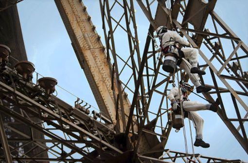 Neuanstrich des Eiffelturms wegen Bleifunden ausgesetzt