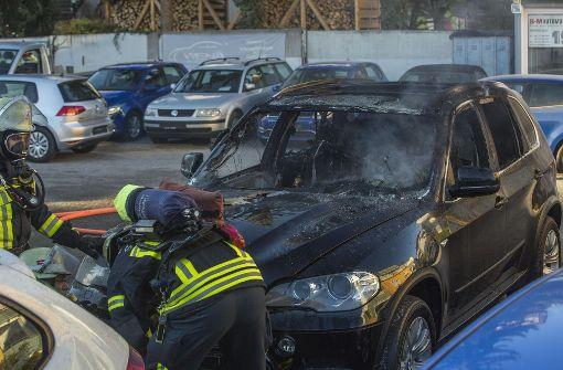 BMW steht plötzlich in Flammen