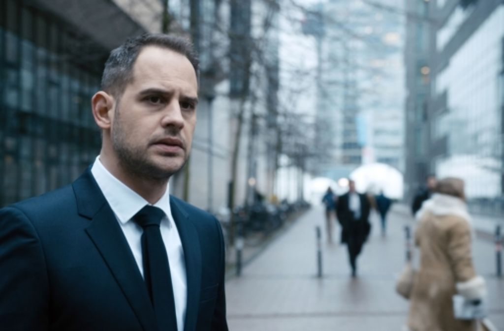 Wirtschaftsanwalt Urs Blank (Moritz Bleibtreu) wird sich bald selbst fremd sein. Foto: Alamode Film