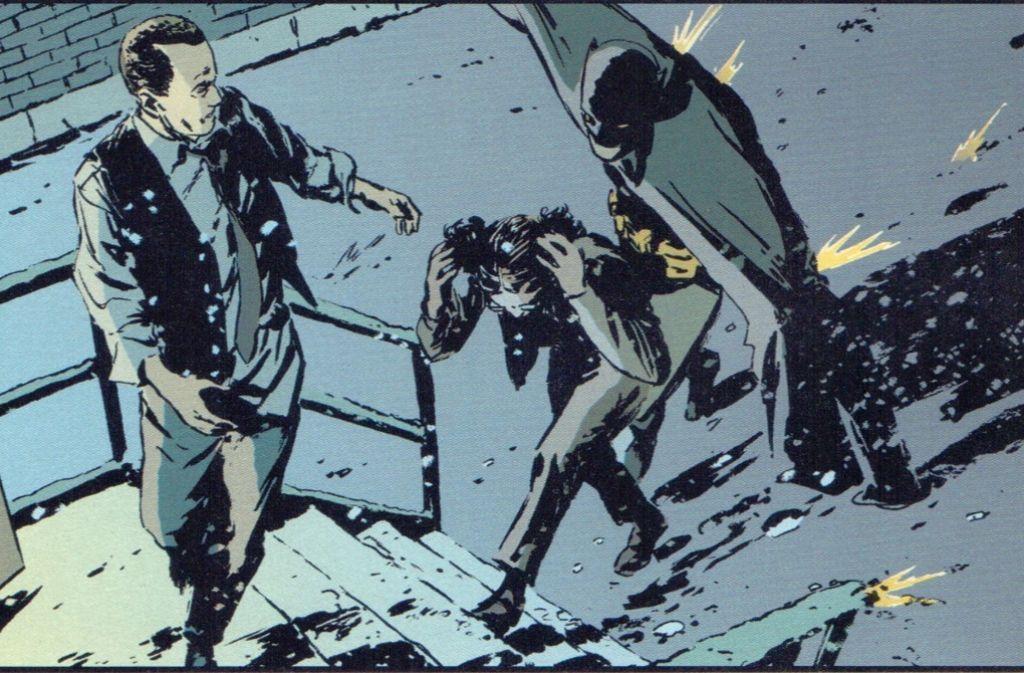 """Batman agiert mit seinem Kevlar-Cape als Kugelfang für die Polizei von Gotham City. Das ist symbolisch für die helfende Nebenrolle, die er in """"Gotham Central"""" spielt. Foto: Panini"""