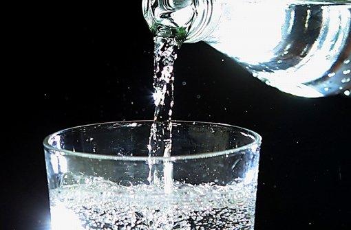 Mit  dem Verkauf von Mineralwasser ist erst mal Schluss: die Freyersbacher Schwarzwaldwuellen machen zu. Foto: dpa