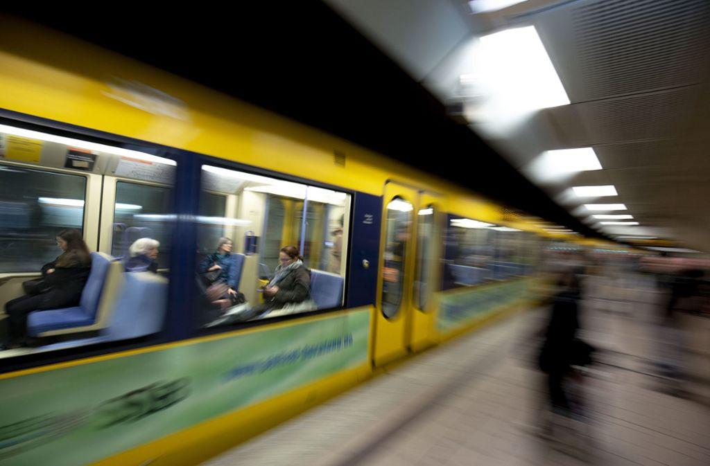 Am Dienstagmorgen gab es einen medizinischen Notfall in einer Stadtbahn. Foto: Lichtgut/Leif Piechowski