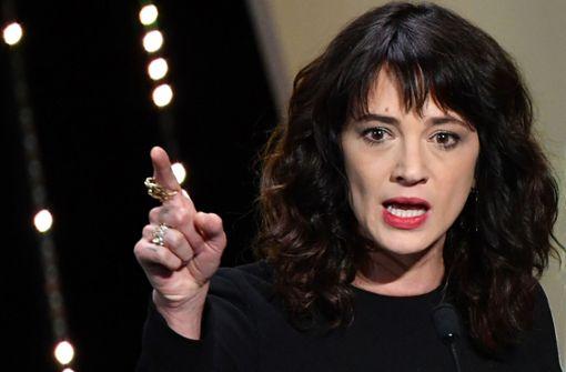 Weinsteins Anwalt attackiert, Argento dementiert