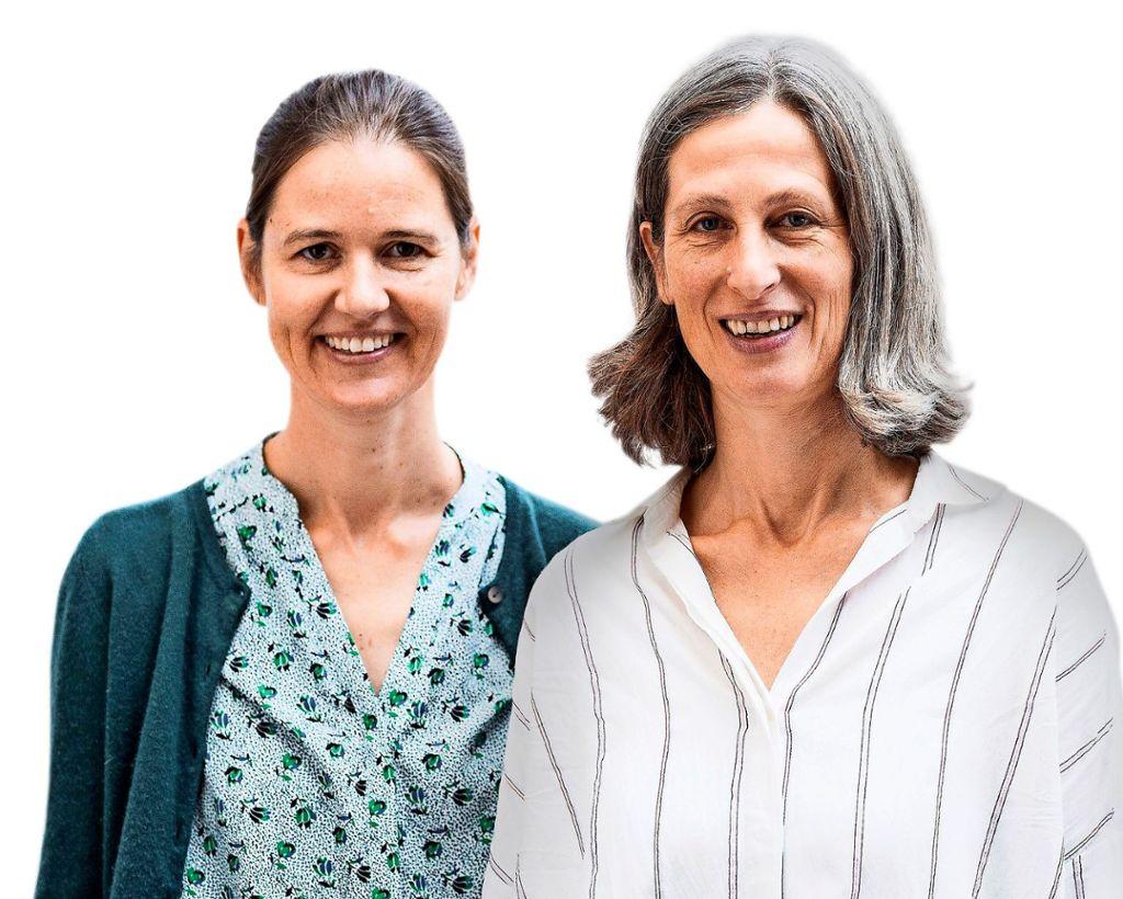 """Katharina Gerhard (links) und Ulrike Stortz sind beim Stuttgarter Kammerorchester (SKO) für das """"SKOhr-Labor"""", ein Musikvermittlungsprogramm für Kinder, Jugendliche und Studierende, zuständig.  Foto: J. Bubeck"""