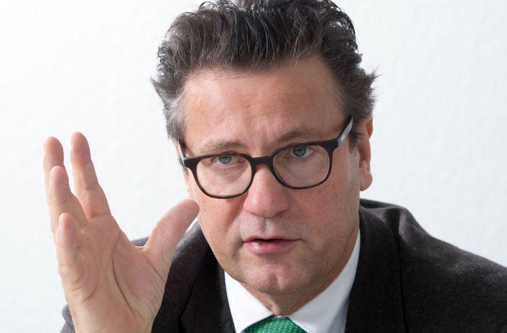"""Minister Hauk wird von Peta vorgeworfen, er verbreite """"Fake News"""" Foto: dpa"""