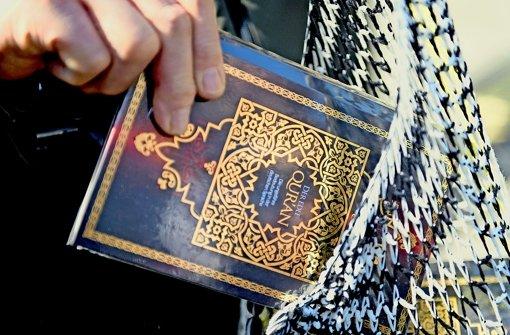 NRW will Salafisten den richtigen Weg weisen