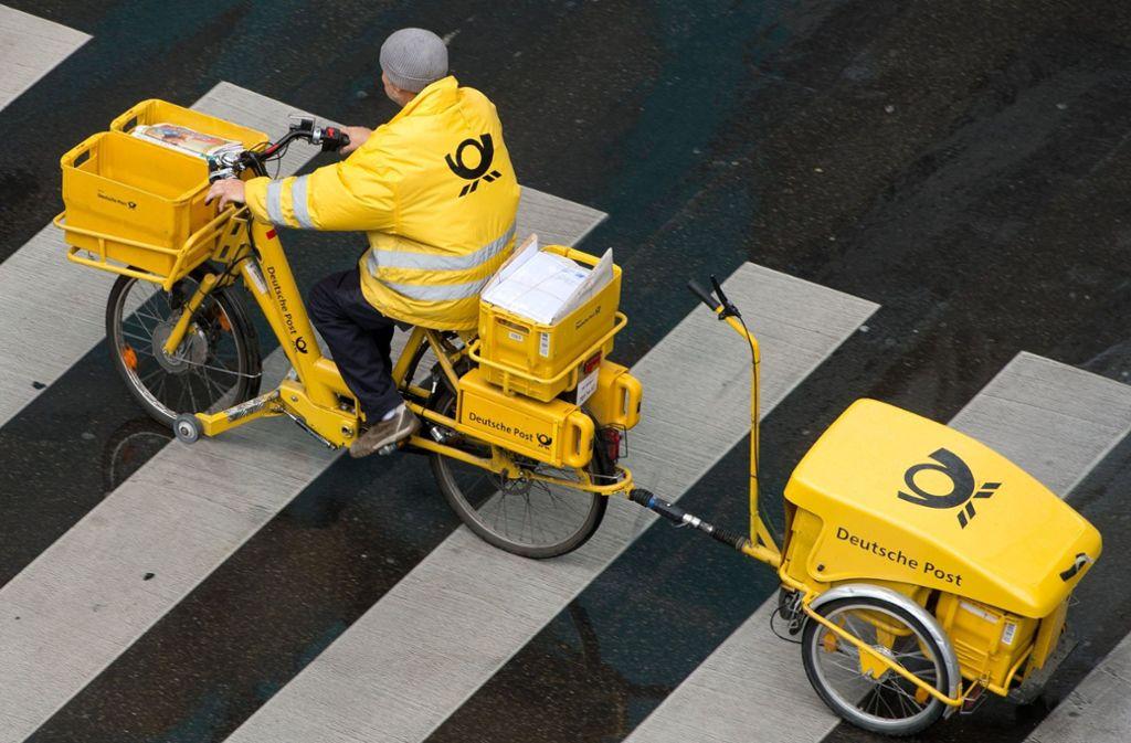 Für die Postangestellten soll es sechs Prozent mehr Geld geben, fordert Verdi. Foto: dpa