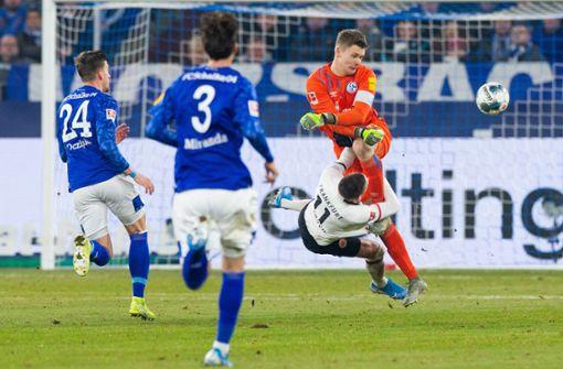 """Schalke-Keeper entschuldigt sich bei Gacinovic:""""Es tut mir sehr, sehr leid"""""""