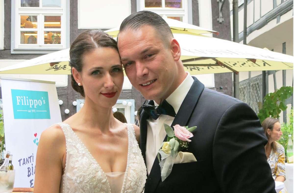 Das Brautpaar Bianca und Nico Burkhardt auf der Hochzeitsfeier Foto: Matthias Ring