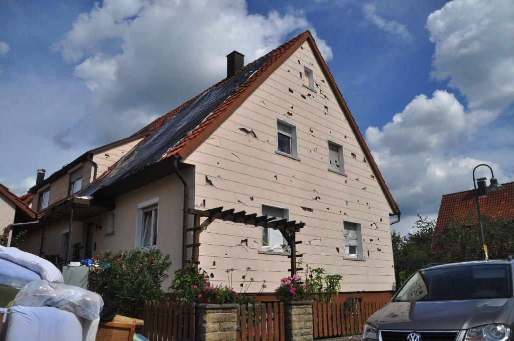 Auf 600 Millionen Euro beziffert die Sparkassenversicherung die von ihr abgedeckten Schaden durch das Hagelunwetter Ende Juli. Die Gesamtschäden dürften damit sogar die des Münchner Hagelunwetters 1984 übertreffen, so der Versicherer. Das waren 1,25 Milliarden Euro.  Foto: Fotoagentur Stuttgart