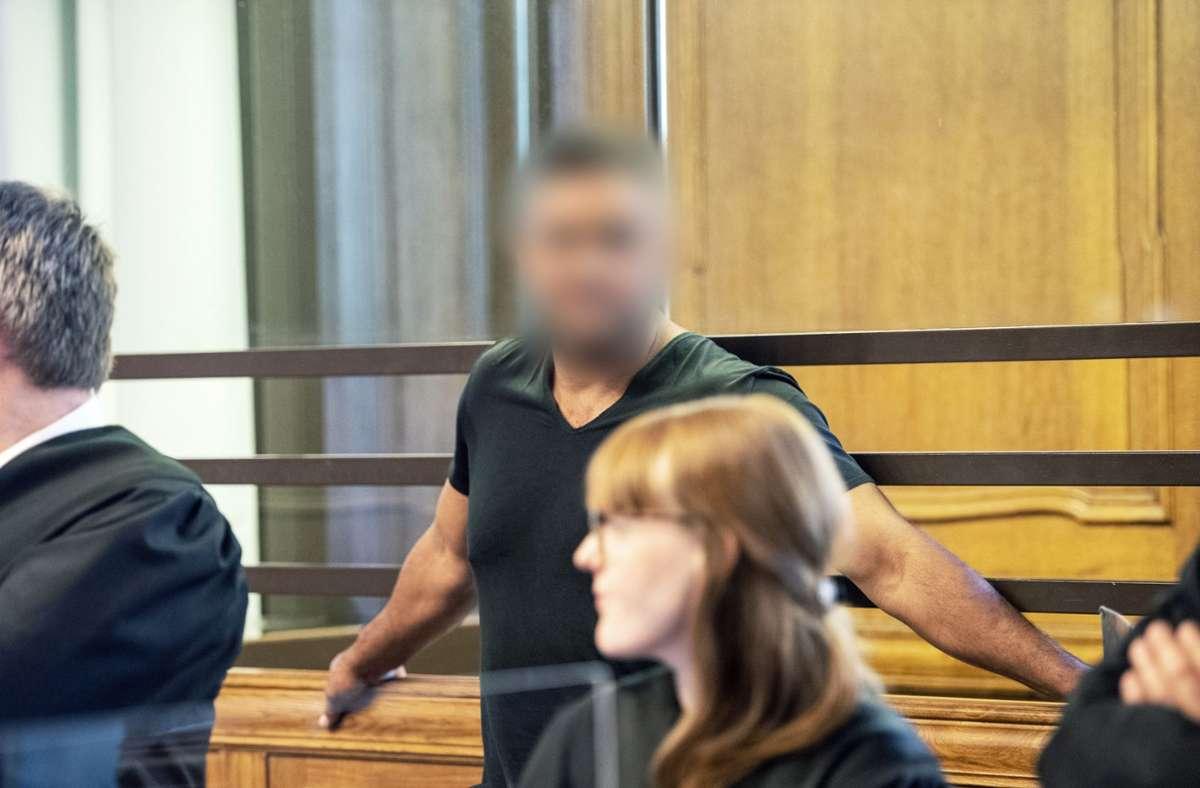 Der Angeklagte Arafat A.-Ch. im Landgericht Foto: dpa/Paul Zinken