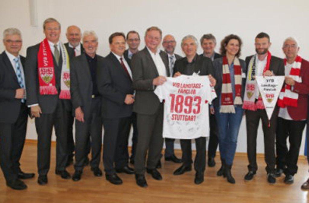 Der erste offizielle Landtags-Fanclub des VfB Stuttgart.  Foto: VfB Stuttgart