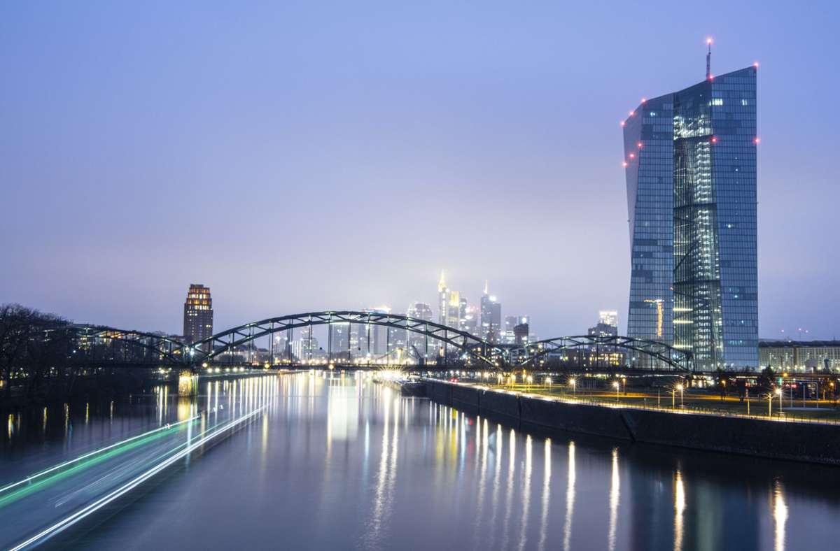 Der Rat der Europäischen Zentralbank belässt den Leitzins bei Null Prozent. (Archivbild) Foto: dpa/Boris Roessler