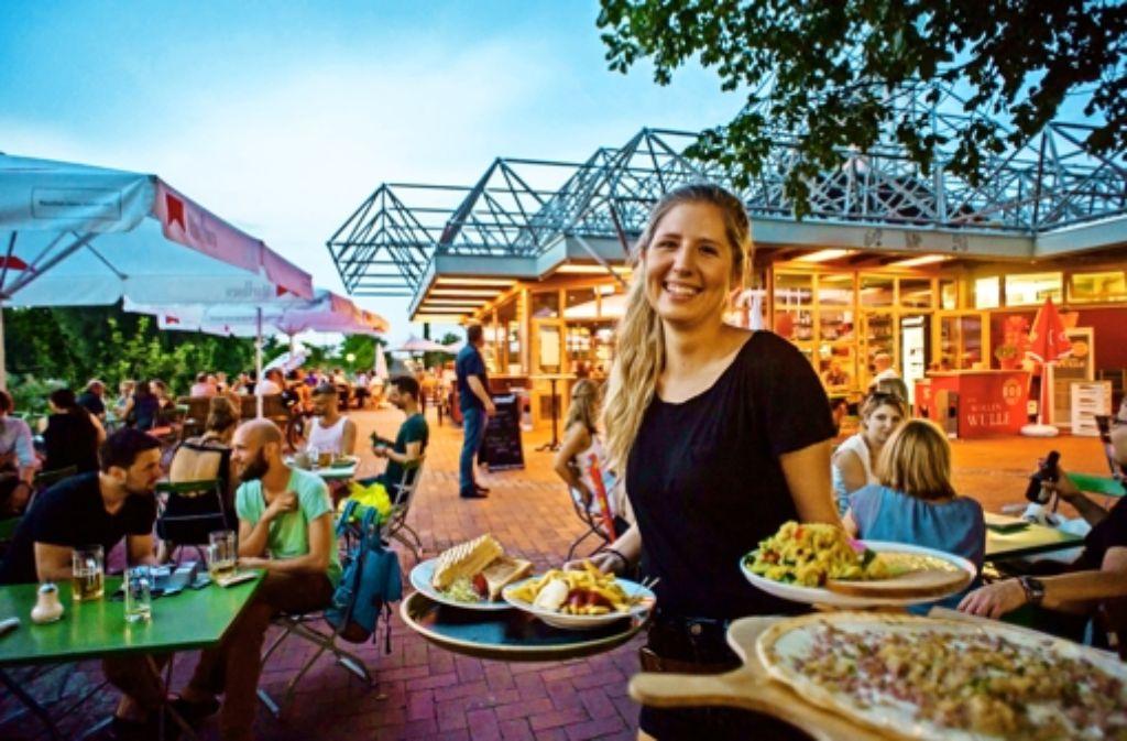 Der neue Biergarten ist einer der lauschigsten Orte in der       Stadt. Foto: Lichtgut/Max Kovalenko