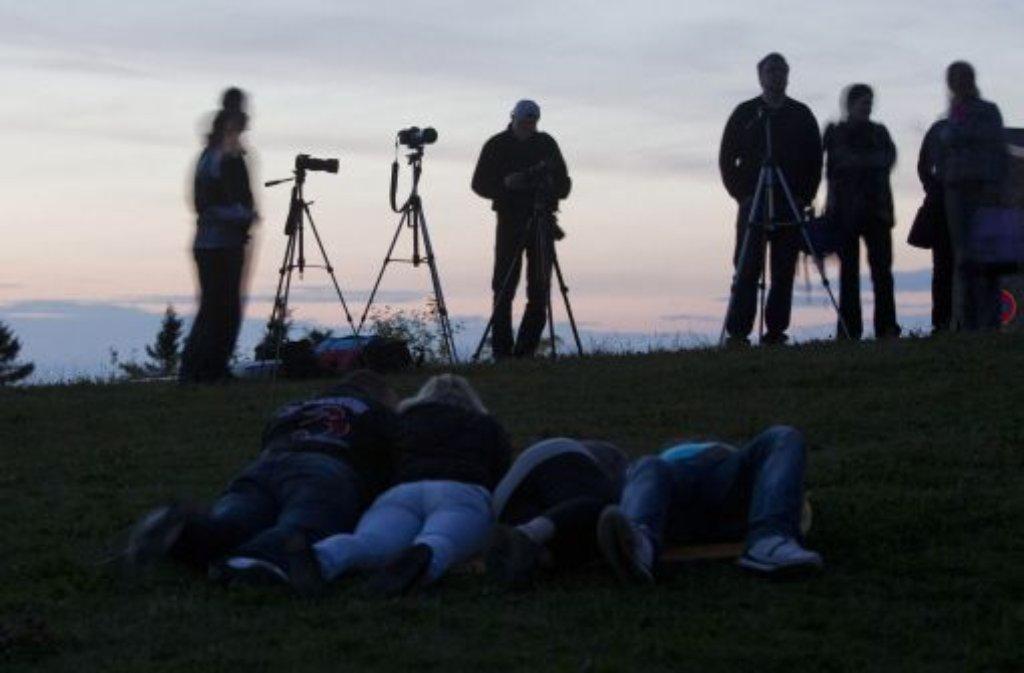 Schlechte Bedingungen für Mondgucker: Der Himmel über Deutschland war am Donnerstagabend wolkenverhangen. Foto: dpa
