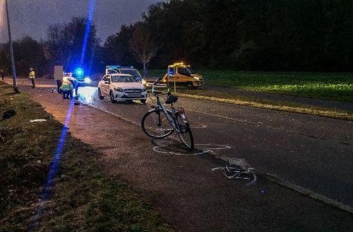 Radfahrerin bei Unfall mit Mercedes schwer verletzt
