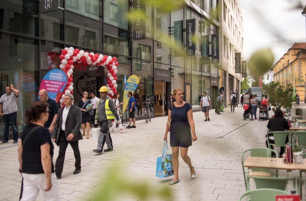 Das Dorotheen-Quartier soll Stuttgarts neue Luxusadresse werden – bei der Eröffnung am Dienstagvormittag war noch nicht alles fertig. Foto: