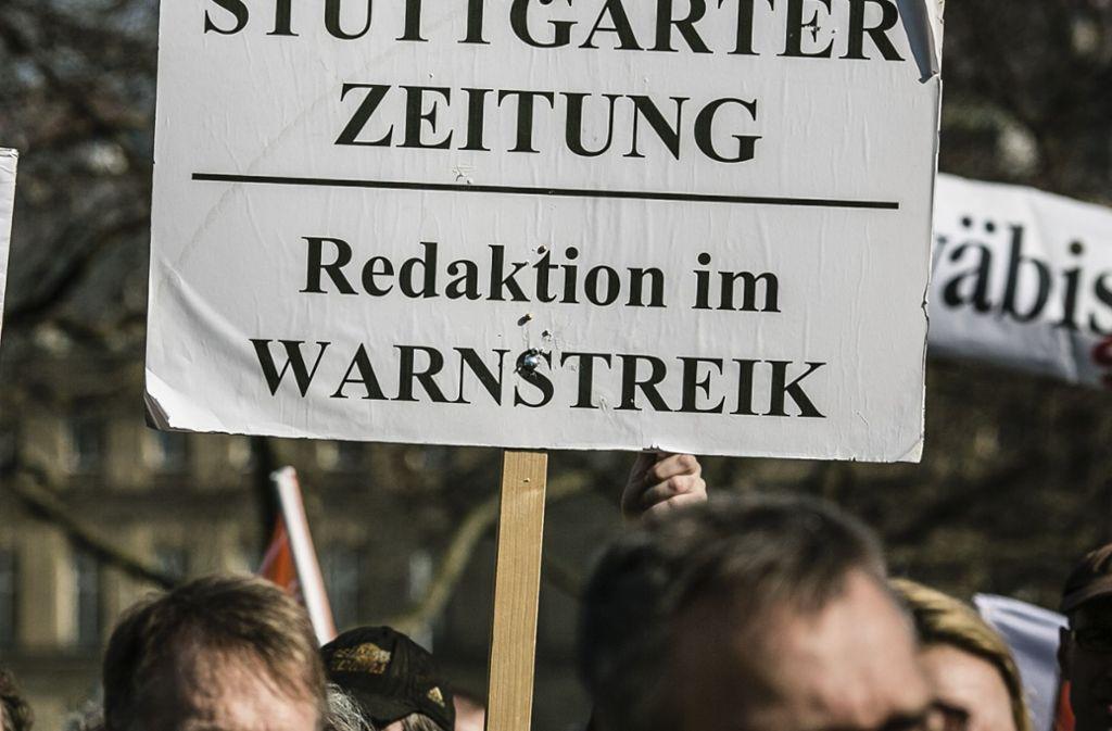 Circa 300 Journalisten beteiligen sich am Warnstreik Foto: Leif Piechowski