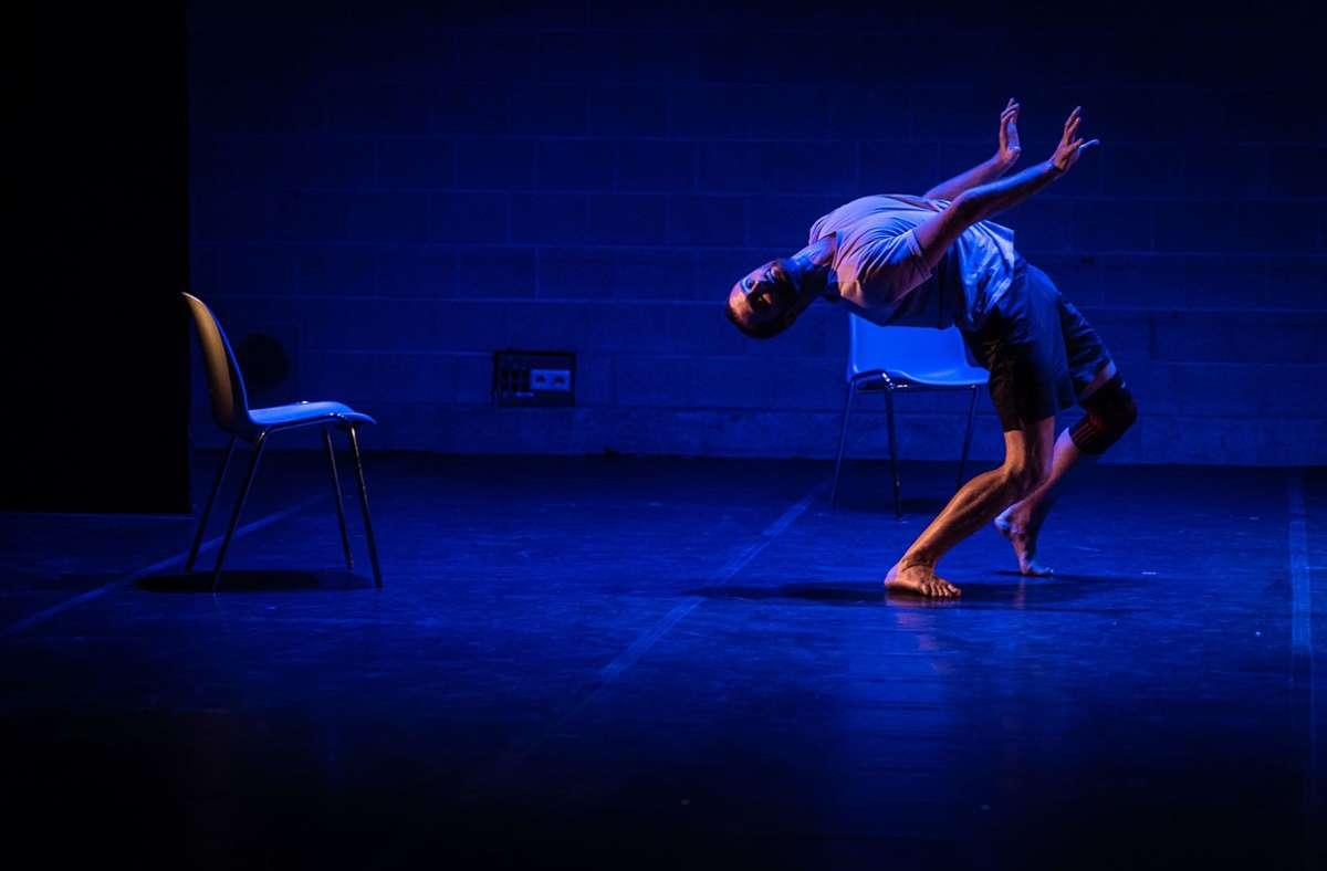 """Szene aus  dem Tanzstück """"Ohne Giovanni. Aber mit Mozart"""" Foto: Oliver Röckle"""