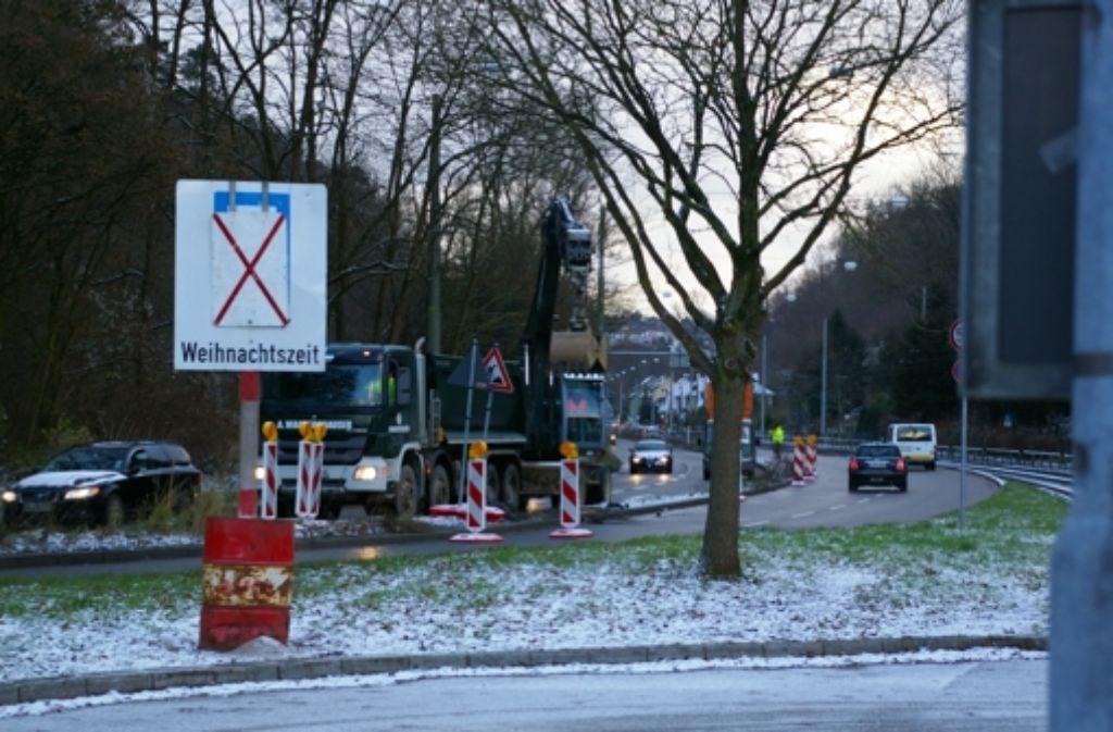 Zwischen den Stadtteilen Kaltental und Heslach werden die Leitplanken entfernt. Foto: Kratz