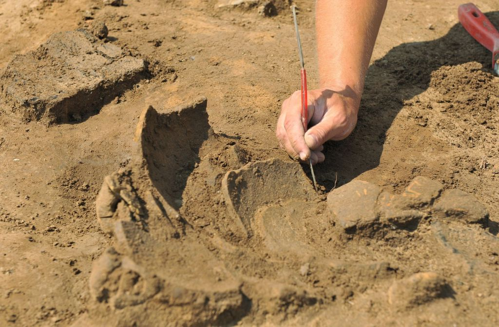 Der deutsche Archäologe und sein Mitarbeiter wurden in Nigeria entführt. Jetzt fordern die Entführer 180.000 Euro. Foto: dpa