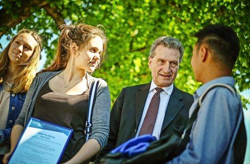 Oettinger verteidigt Freihandelsabkommen