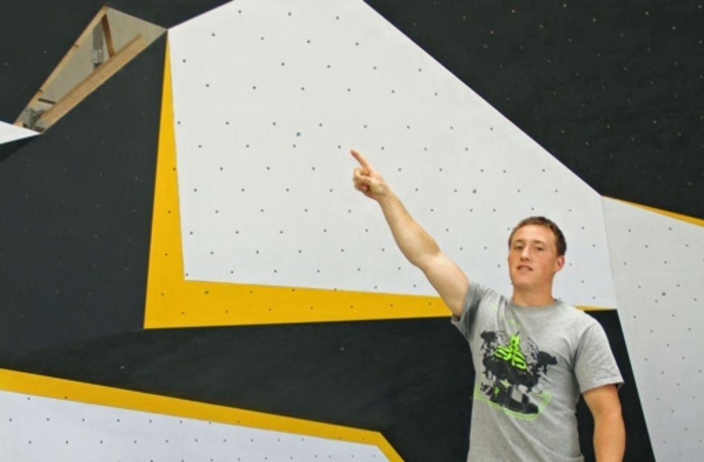 Bald kann Maximilian Wörner in die Kletterwand einsteigen. 2008 war er Deutscher Juniorenmeister im Sportklettern. Foto: Zeyer