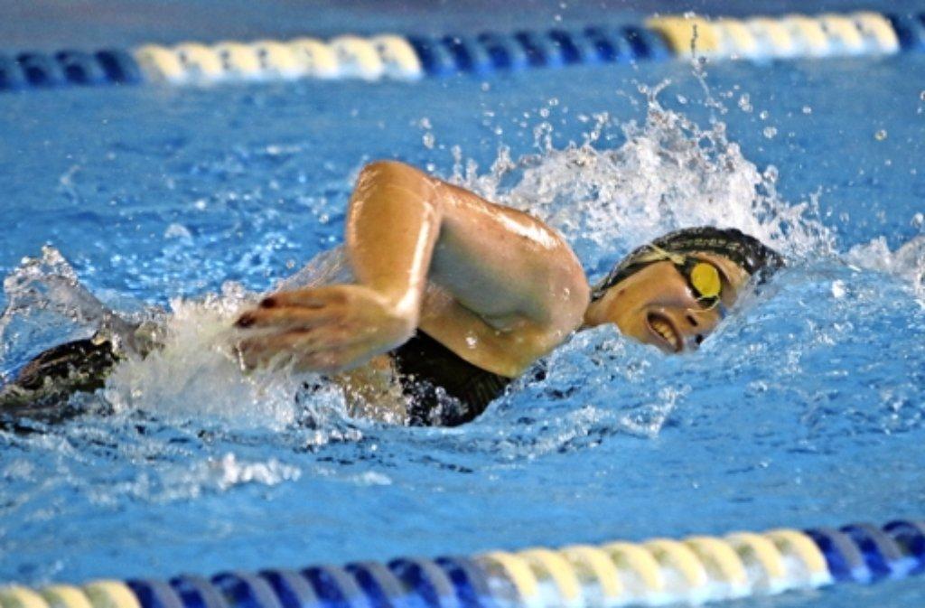 Studienbedingt          müssen die Wasserfreunde       auf einige  erfahrene     Schwimmerinnen   – wie   hier   Melanie Ansel  –    verzichten. Foto: Andreas Gorr