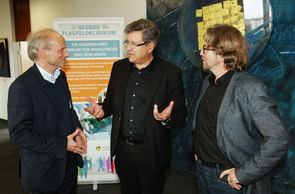 Das Planerteam für die Flugfeldklinik steht fest: Guido Meßthaler, Ralf Landsberg und Albrecht Randecker (von links). Foto: factum/Bach
