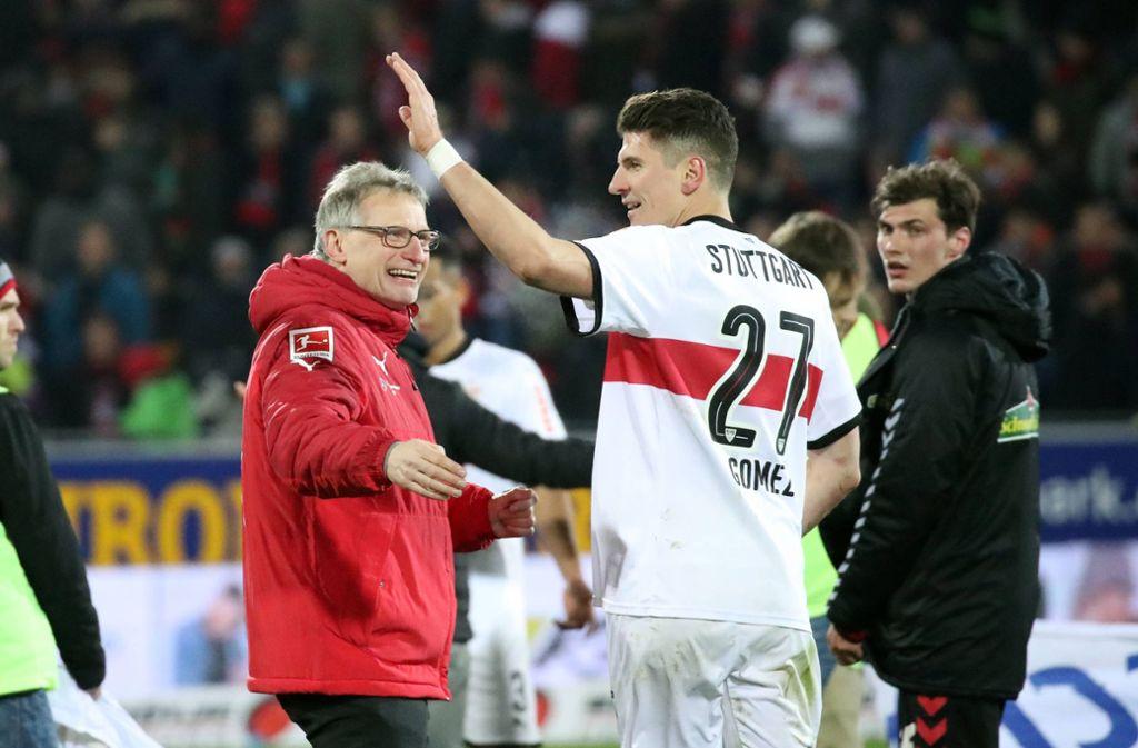 Michael Reschke (links) und Mario Gomez – gemeinsam beim VfB Stuttgart (Archivbild) Foto: imago images