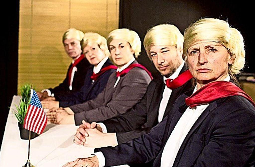 """Im Trump'schen Narzissmus-Kabinett: Szene aus Christof Küsters """"The Trump Trial"""" Foto: Daniela Aldinger"""