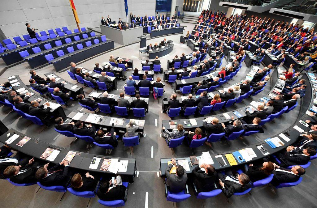 Die erste Sitzung des neuen Bundestags: Wolfgang Schäuble wird zum neuen Bundestagspräsidenten gewählt. Foto: AFP