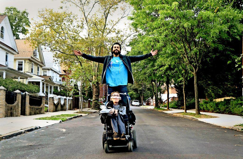 Bedröhnt unterwegs: Ramy (Ramy Youssef, hinten ) und  Steve (Steve Way) Foto: Hulu/Nitke