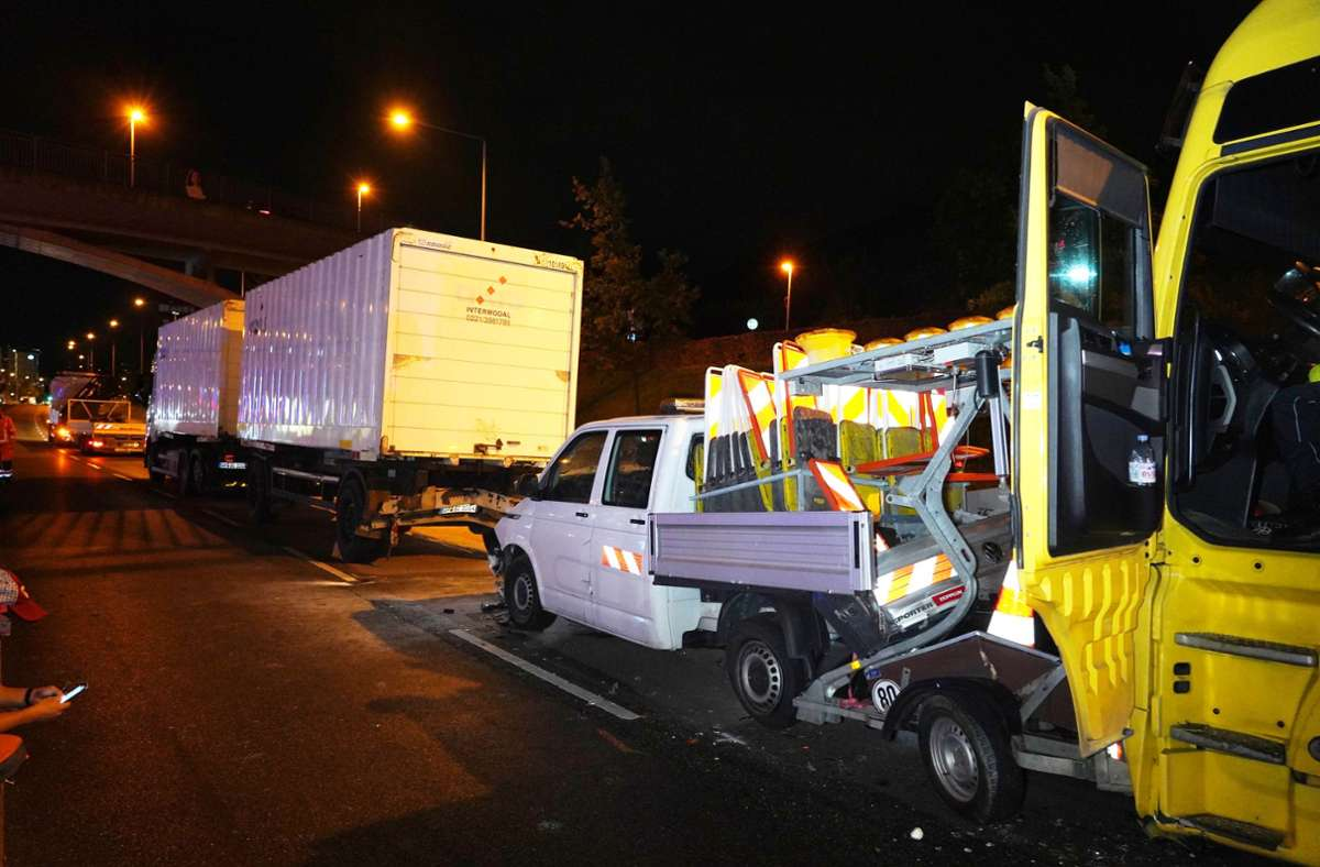 Am Stuttgarter Pragsattel ereignete sich am Mittwochabend ein Unfall. Foto: Andreas Rosar /Fotoagentur-Stuttgart