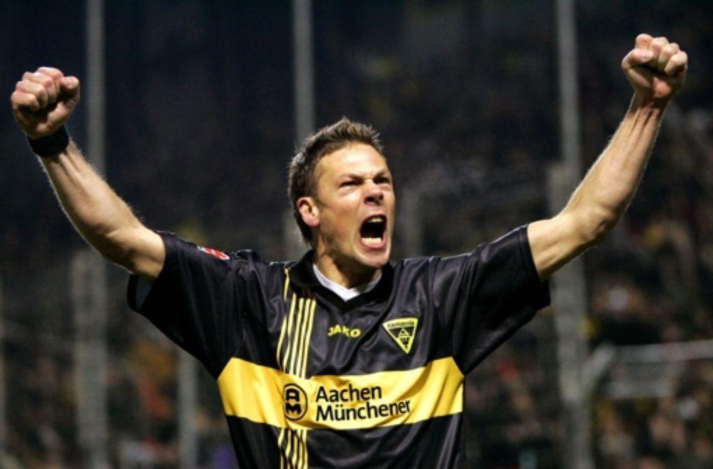 Erik Meijer kennt sich mit dem Jubeln aus – und mit Geisterspielen. Wir zeigen in der Bilderstrecke noch einmal Eindrücke aus dem Hinspiel des VfB gegen Lazio. Foto: dpa
