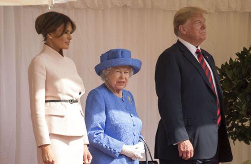 Was wollte uns die Queen mit ihrer Brosche sagen?