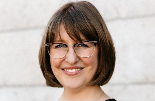 Carolin Bauer-Rilling wird die neue Intendantin der Stuttgarter Philharmoniker und übernimmt die Aufgaben der scheidenden Intendanten Michael Stille und Tilman Dost.