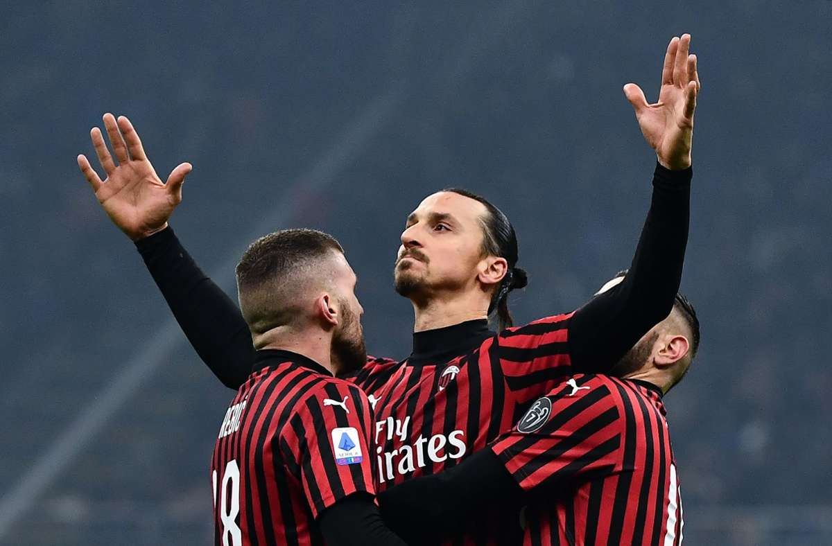 Zlatan Ibrahimovic bleibt der italienischen Liga weiter erhalten. Foto: AFP/MARCO BERTORELLO