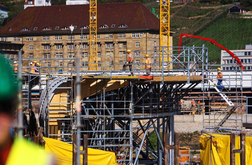 Der Bau des Schienenknotens Stuttgart21 erhitzt weiter die Gemüter. Foto: Lg/Kovalenko