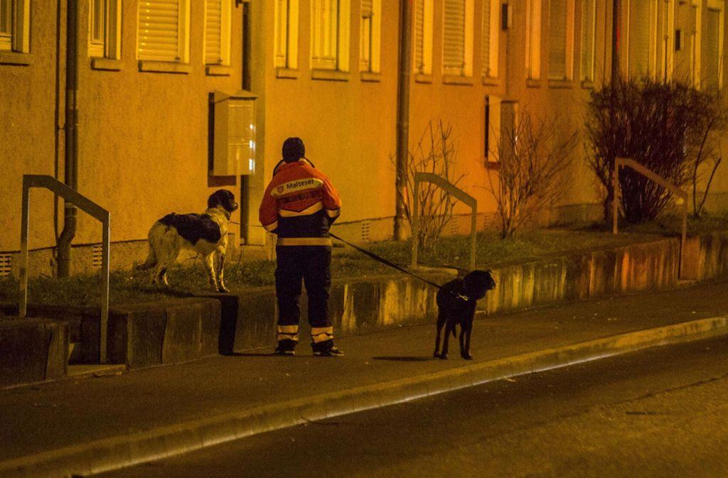 Auch mit Hunden wurde nach dem vermissten Lucas gesucht. Foto: 7aktuell/Simon Adomat