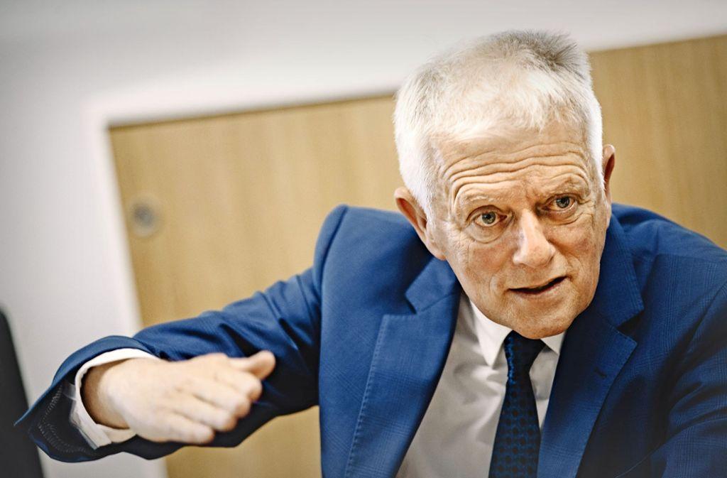 """""""Der Feinstaubalarm war eine Methode, um uns alle aufzurütteln"""", sagt OB Kuhn. Foto: Lichtgut/Leif Piechowski"""