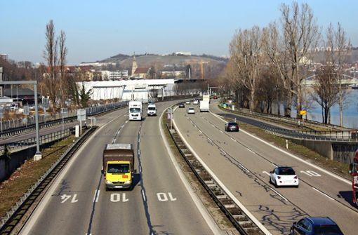 Greifbare Vision von der Stadt am Fluss