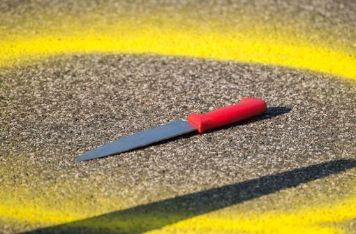 Mitbewohner mit Messer angegriffen