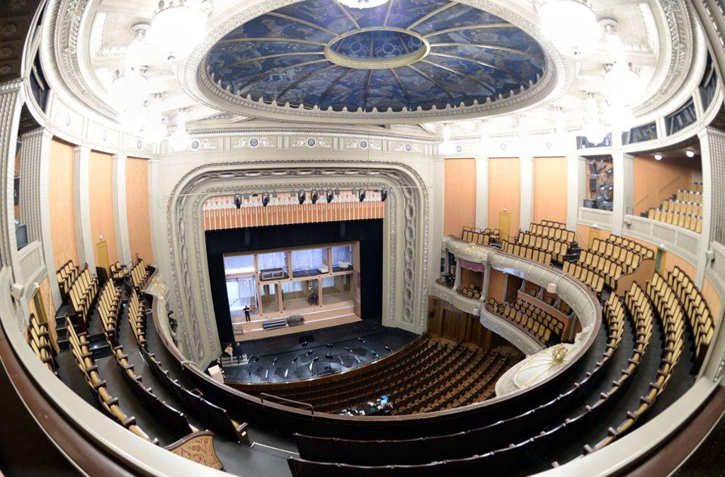 Auch über die Zukunft der Oper im historischen und sanierungsbedürftigen Littmann-Bau soll im Rahmen des vom Verein Aufbruch initiierten Workshops nachgedacht werden. Foto: dpa